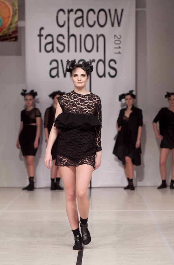 Pokaz haute couture stypendystek Akademii Haute Couture w Walencji