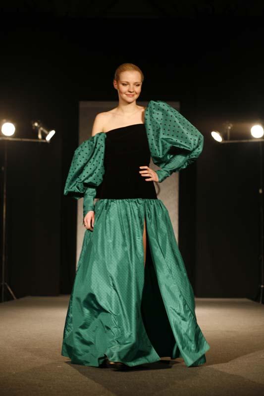 Retrospektywny pokaz mody Jerzego Antkowiaka CFA 2010